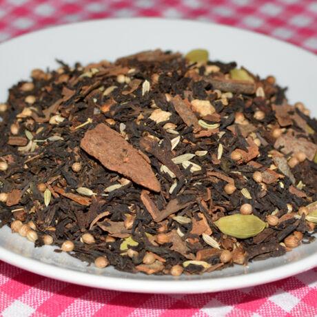Chai teakeverék fekete teával és egész fűszerekkel, 100g