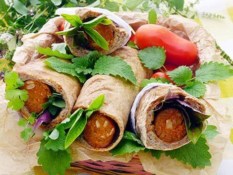"""Kenyérben sült vegán kolbász vagy virsli, """"hotdog"""" recept bulkshop növényi alapú"""