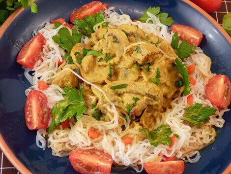 Shirataki tészta gombás jackfruittal vagy jackfruit curryval recept vegán bulkshop plantbased növényi alapú